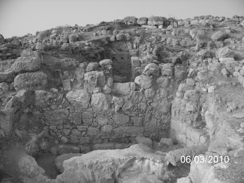 Fig. 47. Series of Roman and Mamluk walls on the northern slope of Tall Hisban. Note the doorway in the middle of the Mamluk wall at top (courtesy Tall Hisban Project).