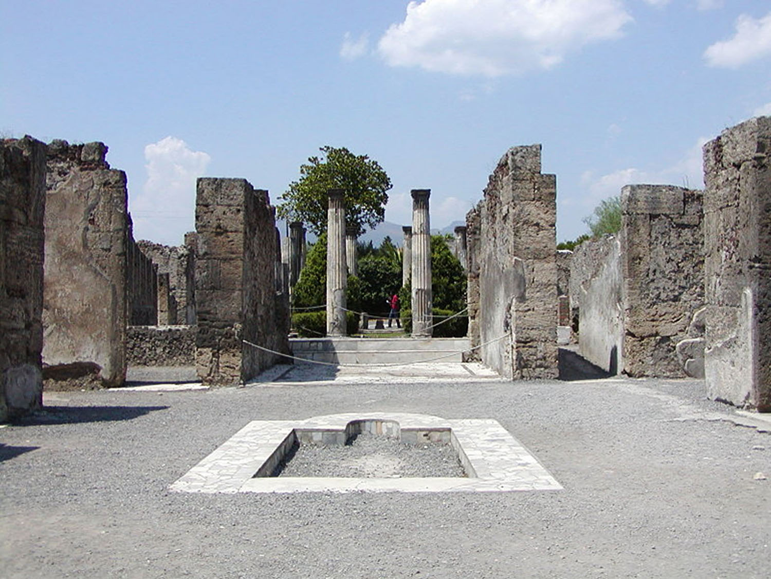 Fig. 3. View of the atrium of Casa di Pansa (VI.6.1), Pompeii.