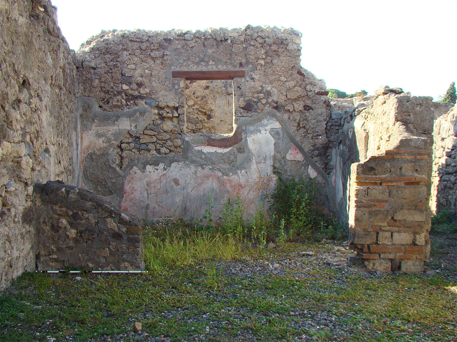 Fig. 7. Bottega del Profumiere (VI.7.8–12), Pompeii, right ala.