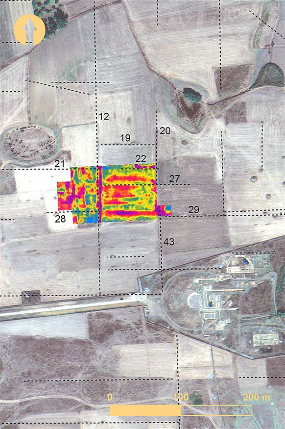 Fig. 7. Surface anomalies from remote sensing relative to the 1988–1991 electrical ground resistance survey at Mantinea. Numbers indicate surface anomalies (after Sarris 1992).