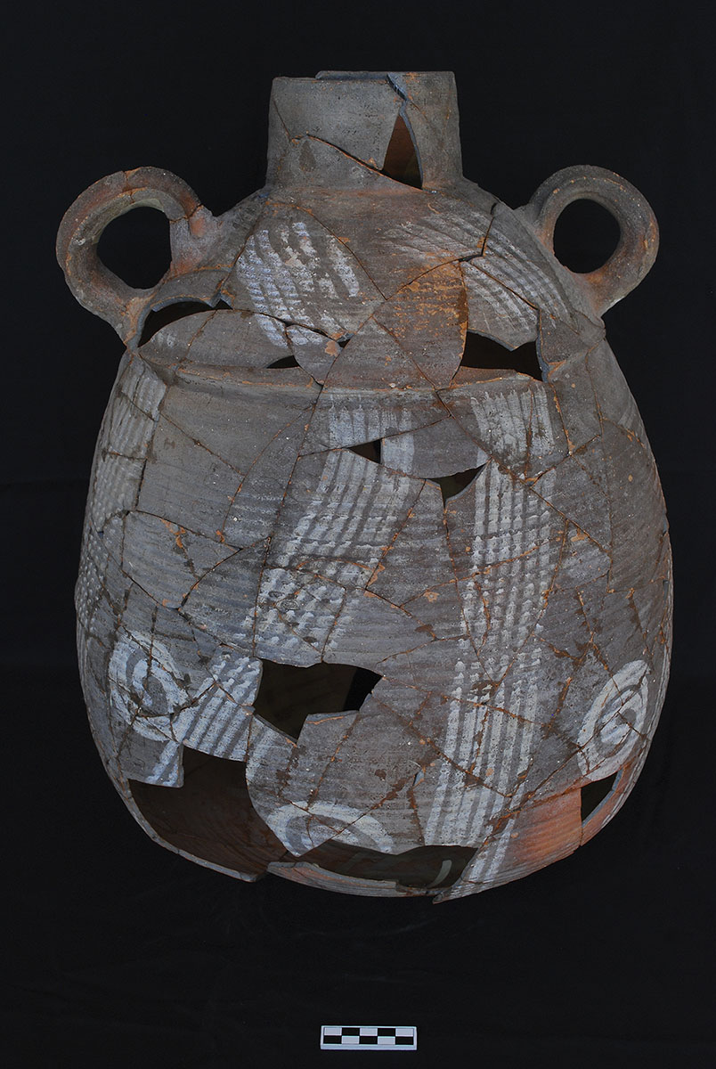 Fig. 8. Decorated storage jar recovered from a domestic context at Tall Abu Sarbut.