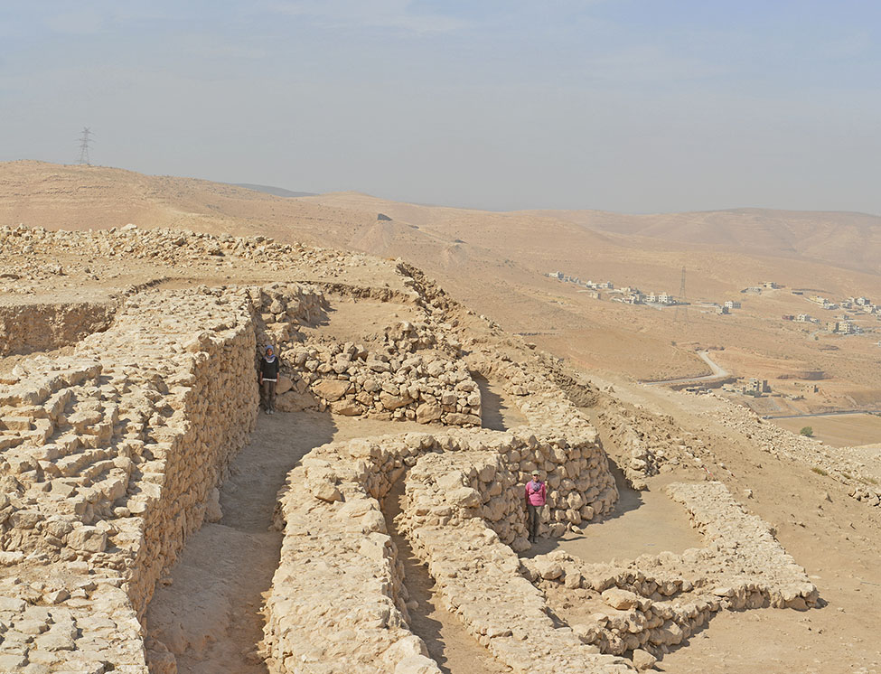 Fig. 10. Protruding bastion along the line of the main inner wall at Khirbat al-Batrawy.