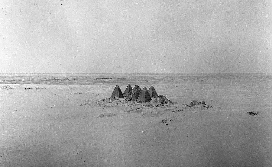 Fig. 1. Pyramids 1–8, Gebel Barkal, photograph by Mohammedani Ibrahim Ibrahim, 19 May 1920, Harvard University—Boston Museum of Fine Arts Expedition (courtesy Museum of Fine Arts, Boston).