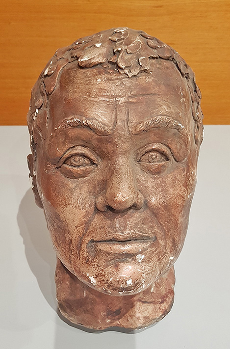 Fig. 3. Facial reconstruction from the skull of a middle-aged male found in the Window Tomb under the Khazna (the Treasury) in Petra.