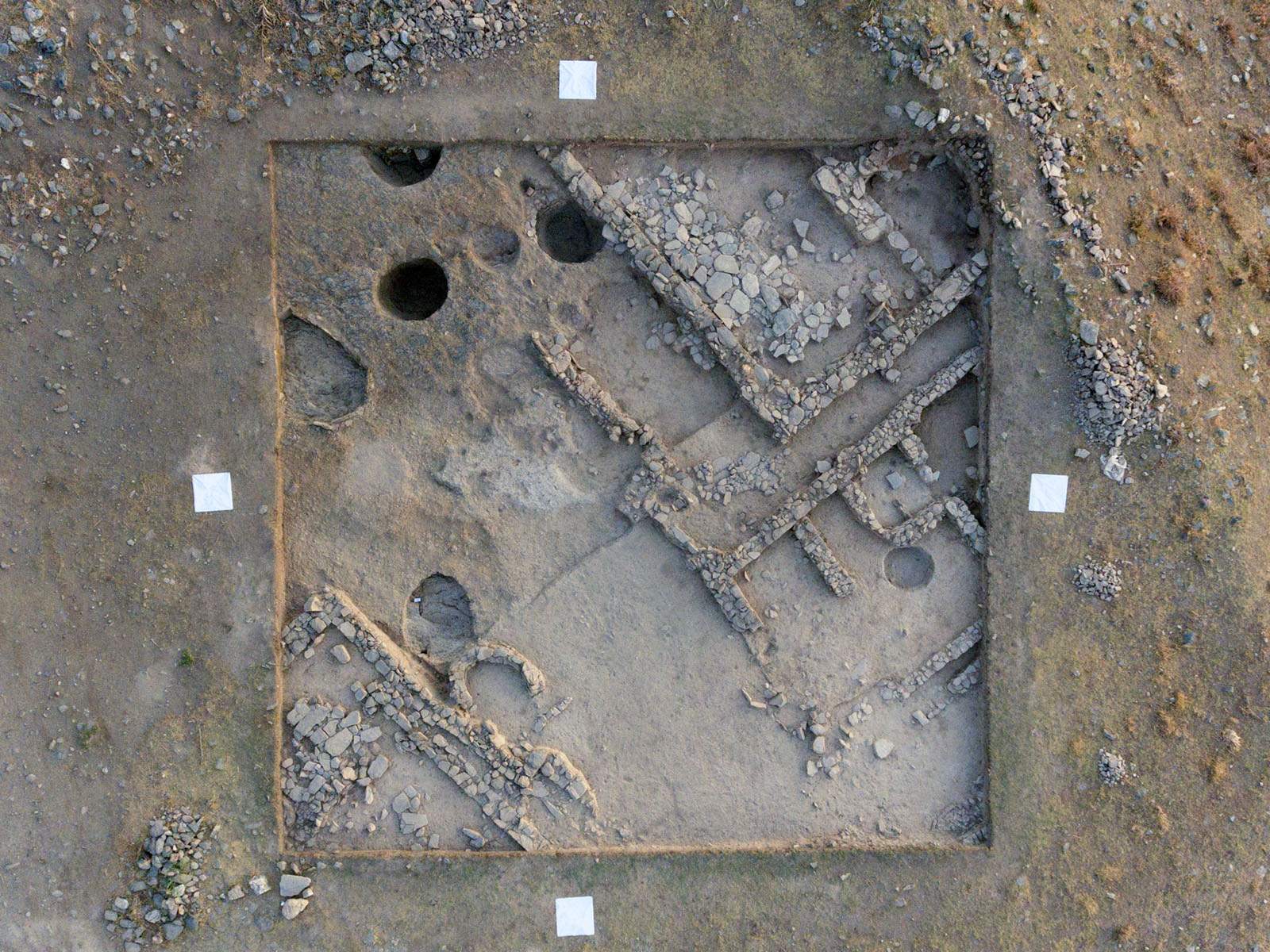 Fig. 4. Overhead view of area 97.541 (north up). White squares are 1 m on a side.