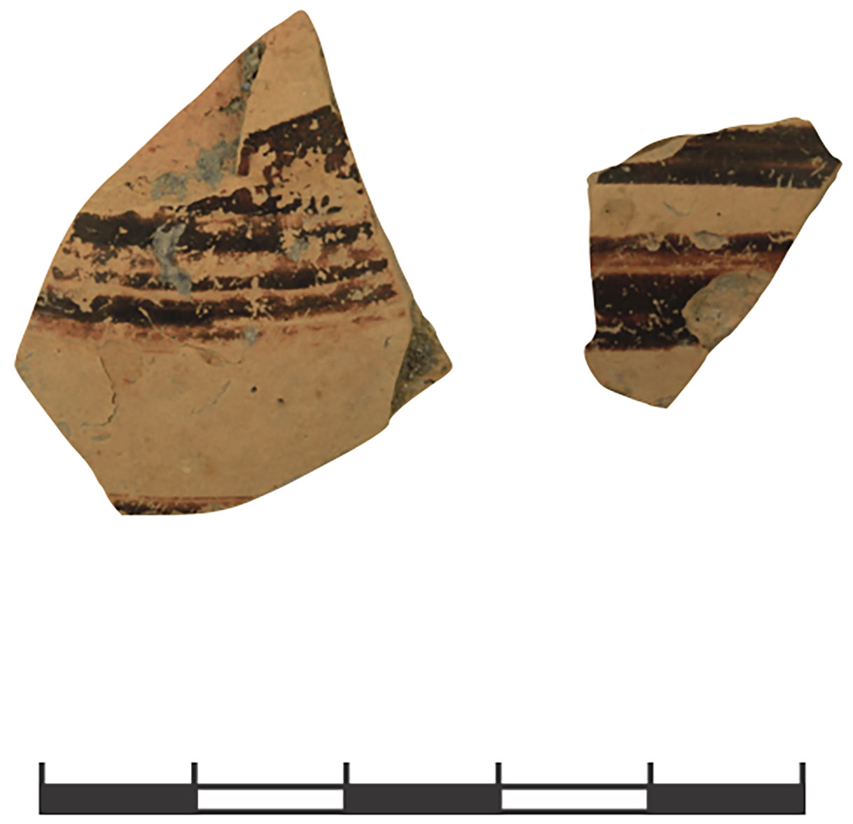 Fig. 10. Two fragments of Mycenaean Decorated Ware from the LB 2 phase 1: left, 97.541.278.89 (LH IIIA2/B); right, 97.541.278.58 (LH IIIB) (H. Hatay; © Gygaia Projects).