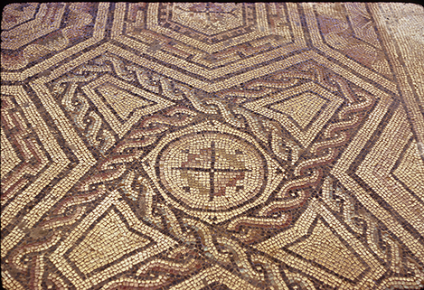 Fig. 9. Mosaic showing crossed shields pattern from a domus at Marsala. Museo Archeologico Regionale—Baglio Anselmi.