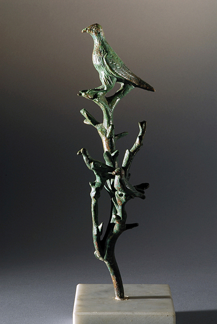 "Fig. 4. Roman bronze branch with birds, possibly imitating Heron's ""singing fountain"" (first century C.E., ht. 25.1 cm), from the House of M. Fabius Rufus. Pompeii, Superintendency of Pompeii, inv. no. 14142 (courtesy Superintendency of Pompeii)."