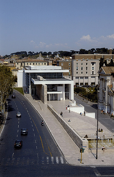 Fig. 1. The Ara Pacis Museum, 1996–2006, Richard Meier, Rome; view toward main entrance (Archivio Sovraintendenza Comune di Roma).