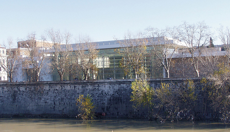 Fig. 2. The Ara Pacis Museum, view from the south bank of the Tiber (courtesy Sovraintendenza ai Beni Culturali del Comune di Roma).