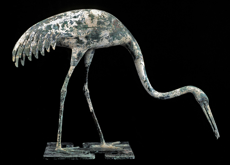 Fig. 4. Qin bronze crane with fish in beak, ht. 75 cm, ca. 221–206 B.C.E. Lintong, Museum of the Terracotta Warriors, inv. no. DM: 012 (Shaanxi Cultural Heritage Promotion Center; courtesy High Museum of Art).