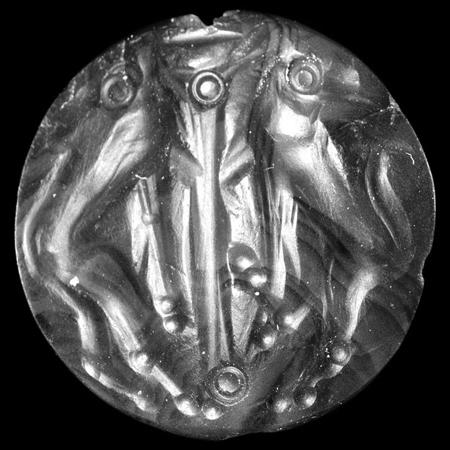Fig. 8. Agate sealstone from Ialysos (Rhodes), with heraldic lions looking backward (© The Trustees of the British Museum).