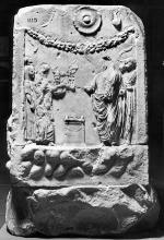 Consecration scene. Belvedere altar. Vatican City, Musei Vaticani, Museo Gregoriano Profano, inv. no. 1115. (Rossa; © DAI Rome, neg. 75.1290).